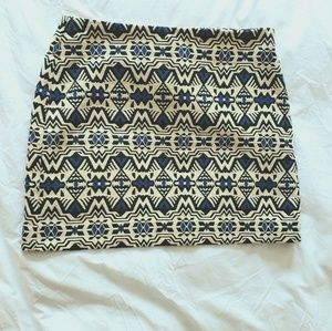Divided Tribal Aztec Print Tapestry Mini Skirt